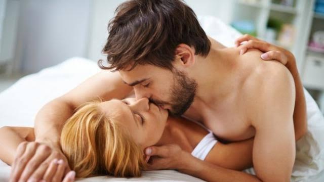 Perbedaan Ciuman Nafsu dan Kasih Sayang