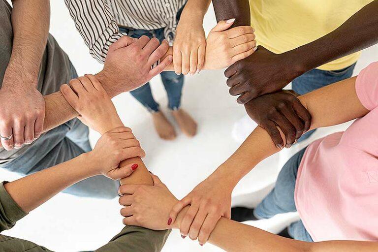 Mengapa Kita Harus Saling Menghargai di Tengah Keragaman Sosial Masyarakat