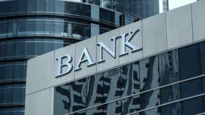 Perbedaan Bank Sentral dan Bank Umum